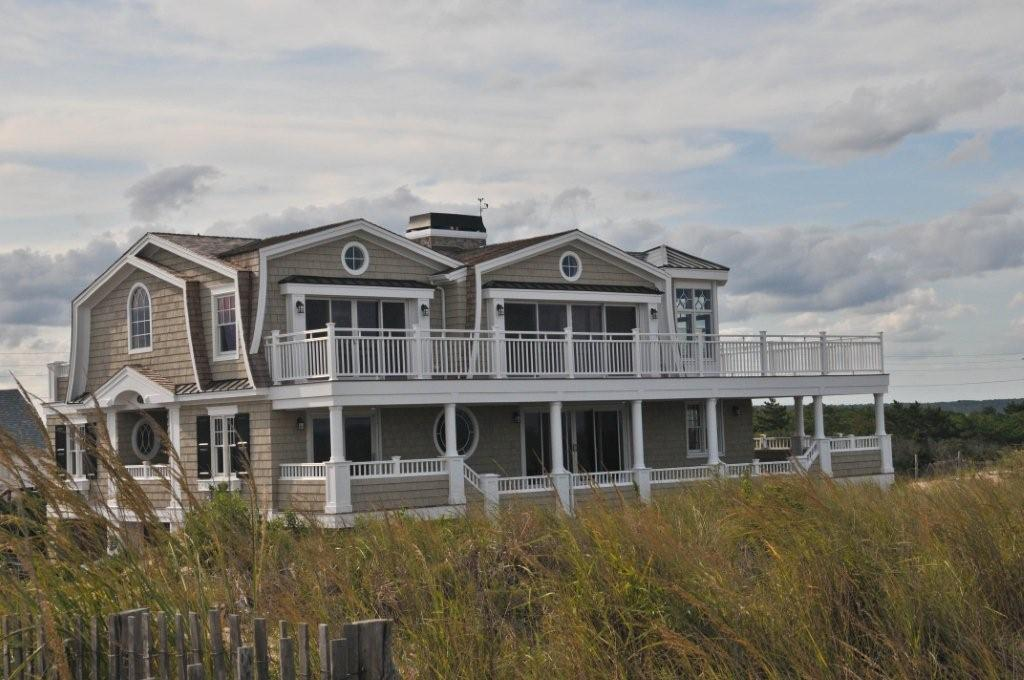 New home by Echelon in Fenwick Island