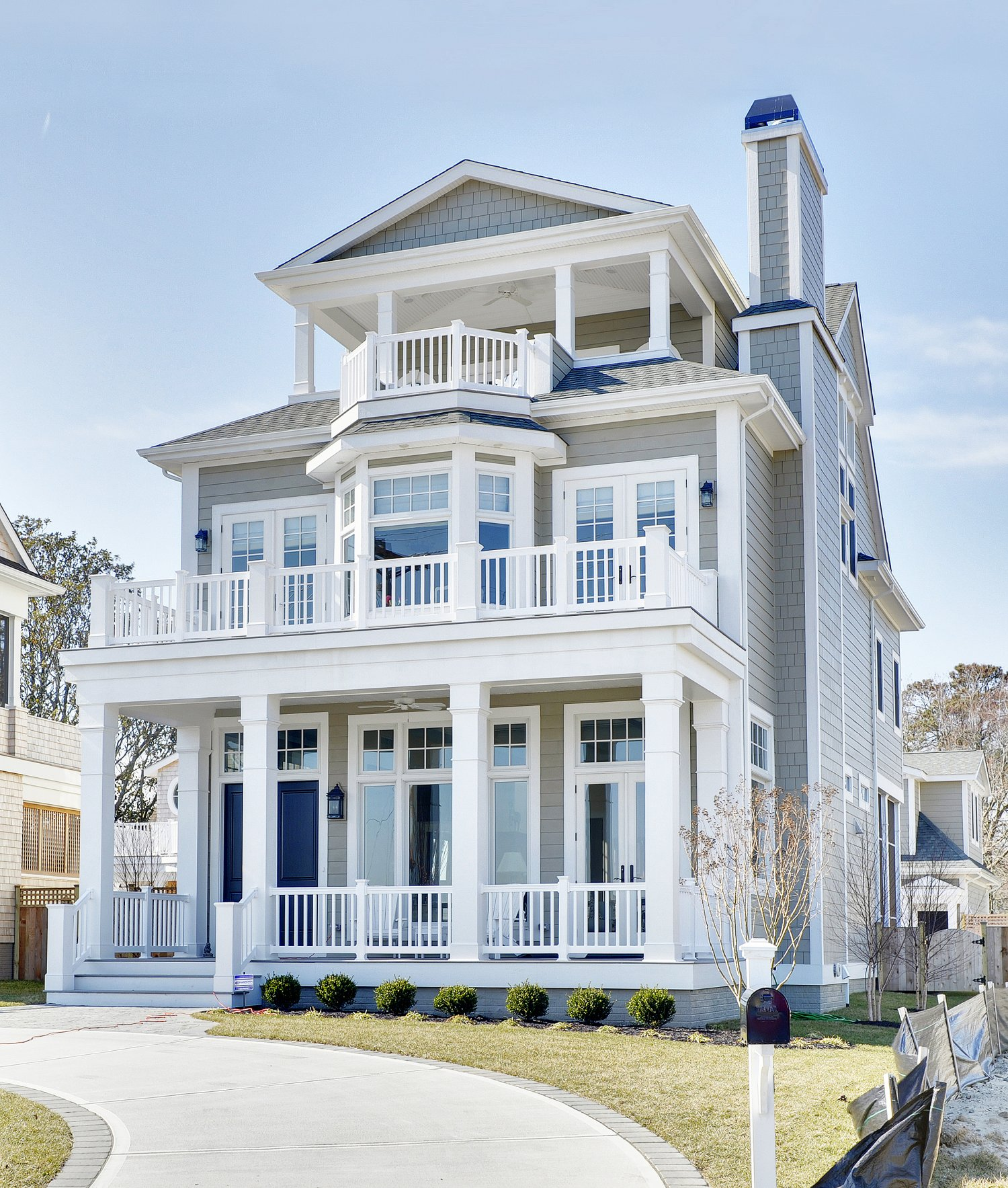 Silver lake photo gallery of custom delaware new homes - Coastal home exterior color schemes ...